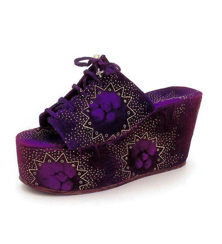 Y Griego tercera Del Zapato Calzado Apasionante Historia La El qwYgO81