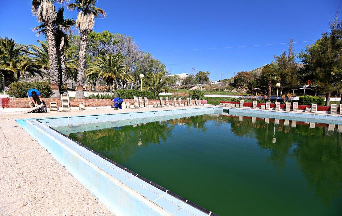 Las piscinas municipales de san crisp n adelantan su for Piscina municipal los cristianos
