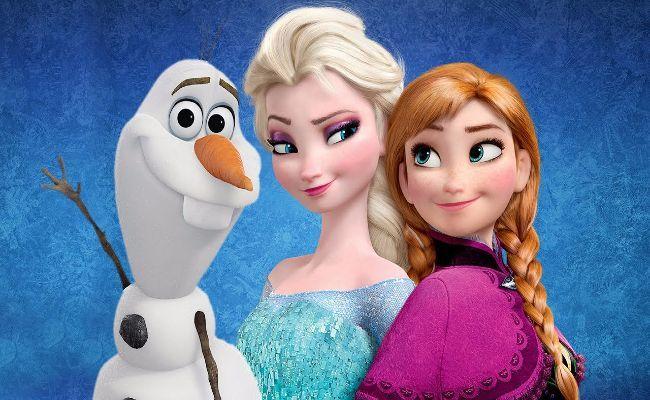 Elsa Ana y Olaf de Mueco de Nieve y los miembros del Equipo