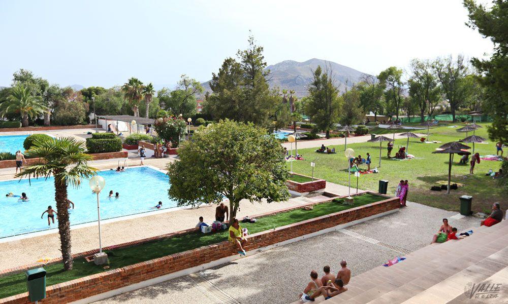 Vuelve la escuela de verano municipal con 600 plazas for Piscina municipal los cristianos