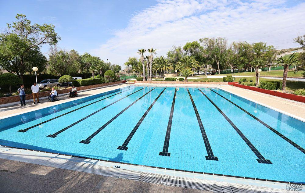 Ma ana s bado abren las piscinas de san crisp n valle de for Hablemos de piscinas