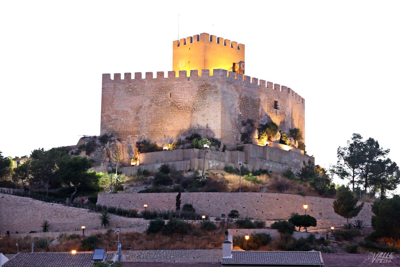 El castillo y las ermitas de Petrer se apagarán hoy por